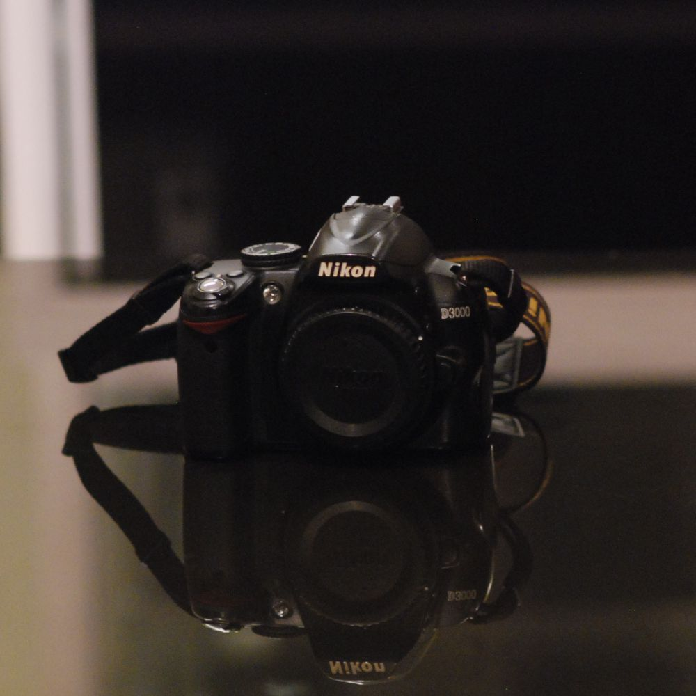 Kamera DSLR NIKON D3000 Body Only
