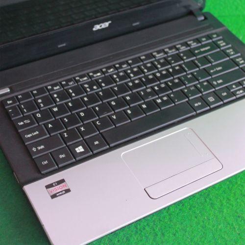 Laptop Acer Aspire E1-421