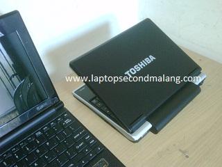 Netbook Mungil-Toshiba NB100